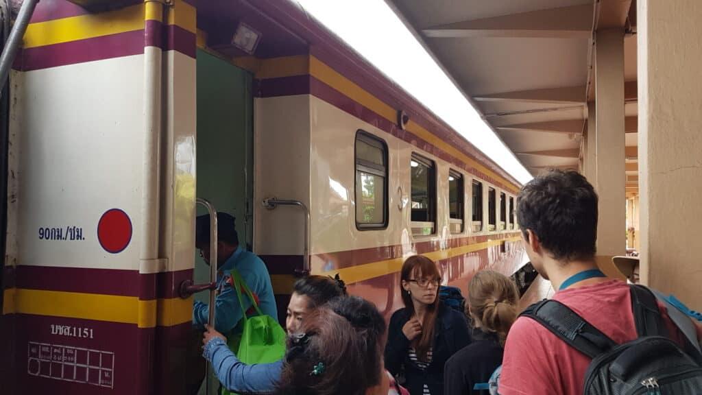 Nachtzug Bangkok Ayutthaya
