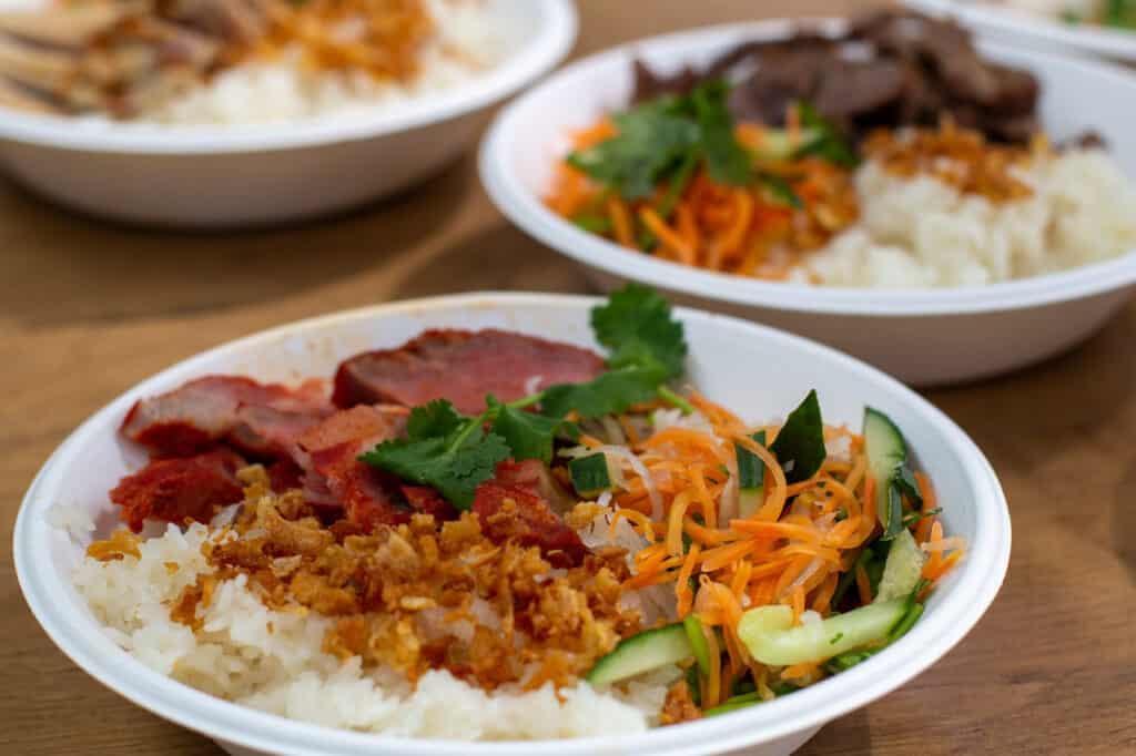 Asiatische Bowls angeboten von der Kagi Bar
